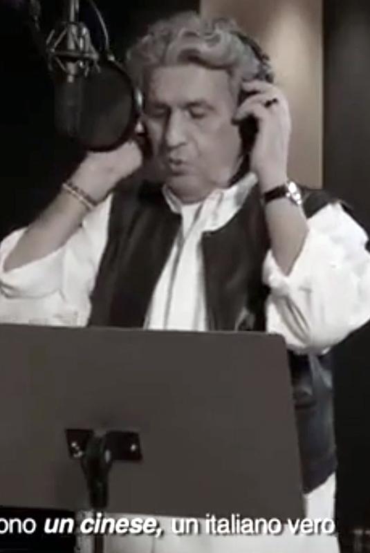 """Toto Cutugno canta """"L'Italiano"""" in cinese"""